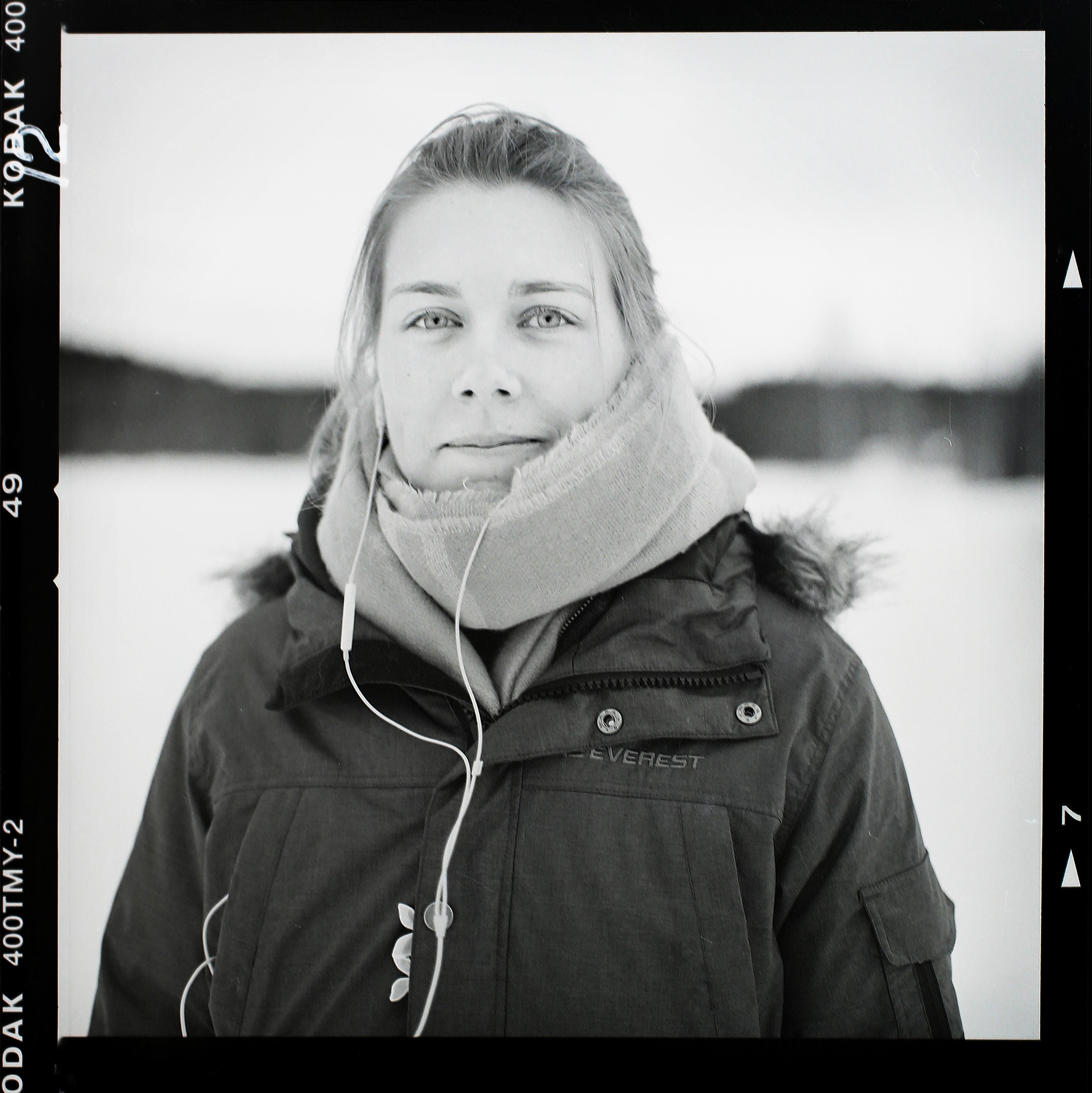Linnea i Sundsvall. Foto: Mikael Andersson, Hasselblad 500 cm, 80mm/2,8. Exponerad f2,8-1/60sek