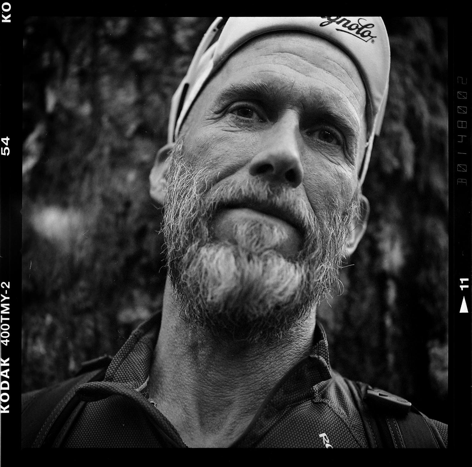 Bergsultralöparen och författaren Niklas Holmström. Foto: Mikael Andersson, 2016-05-24, Hasselblad 500 cm, 150 mm, f4-1/250 sek.