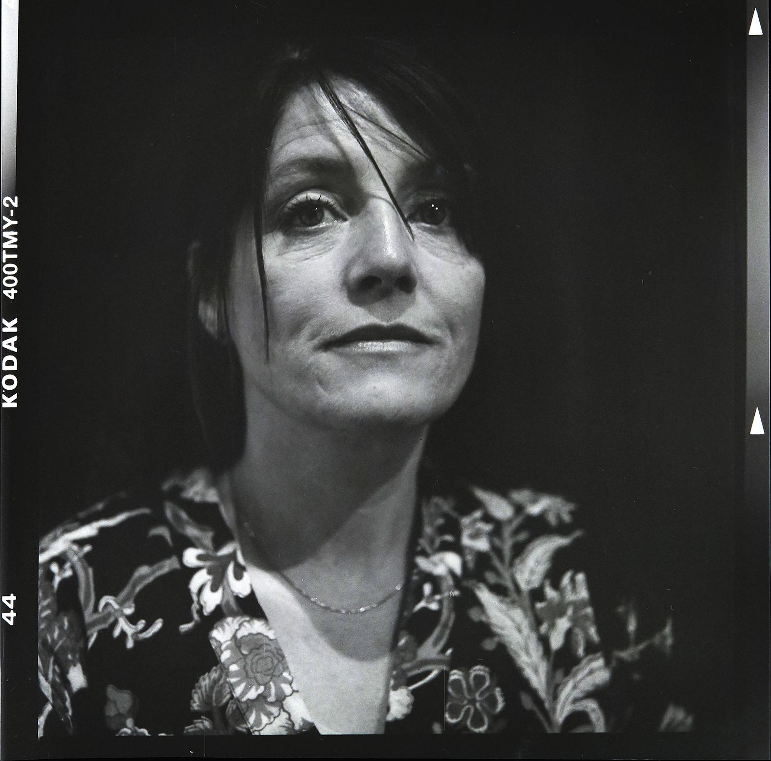 Konstnären Jessica Lundeberg. Foto: Mikael Andersson, 2016-06-09, Hasselblad 500 CM, 150mm, f4-1/30 sek.