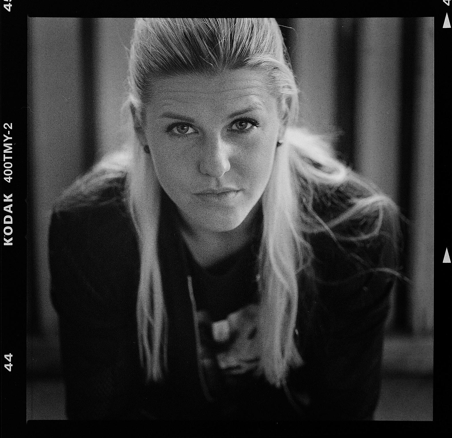 Porträtt på Olivia Schough